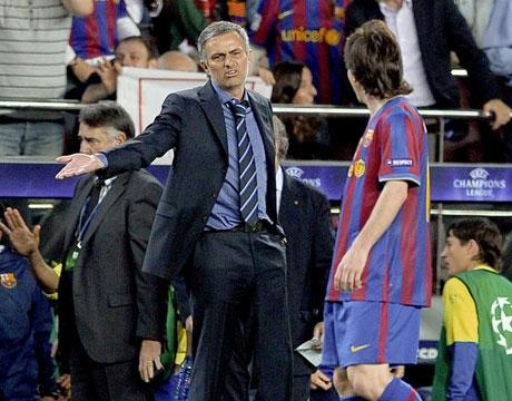 http://www.beninfootball.com/wp-content/uploads/Messi-mourhino.jpg