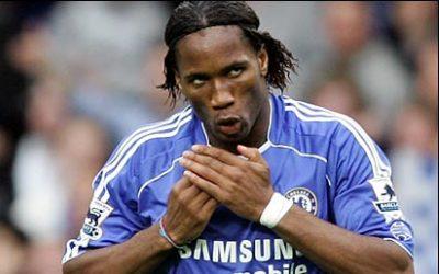coupe cheveux Didier Drogba