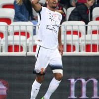 steve-mounie-of-montpellier-celebrates-his-goal-during-the-french-1-picture-id645029028